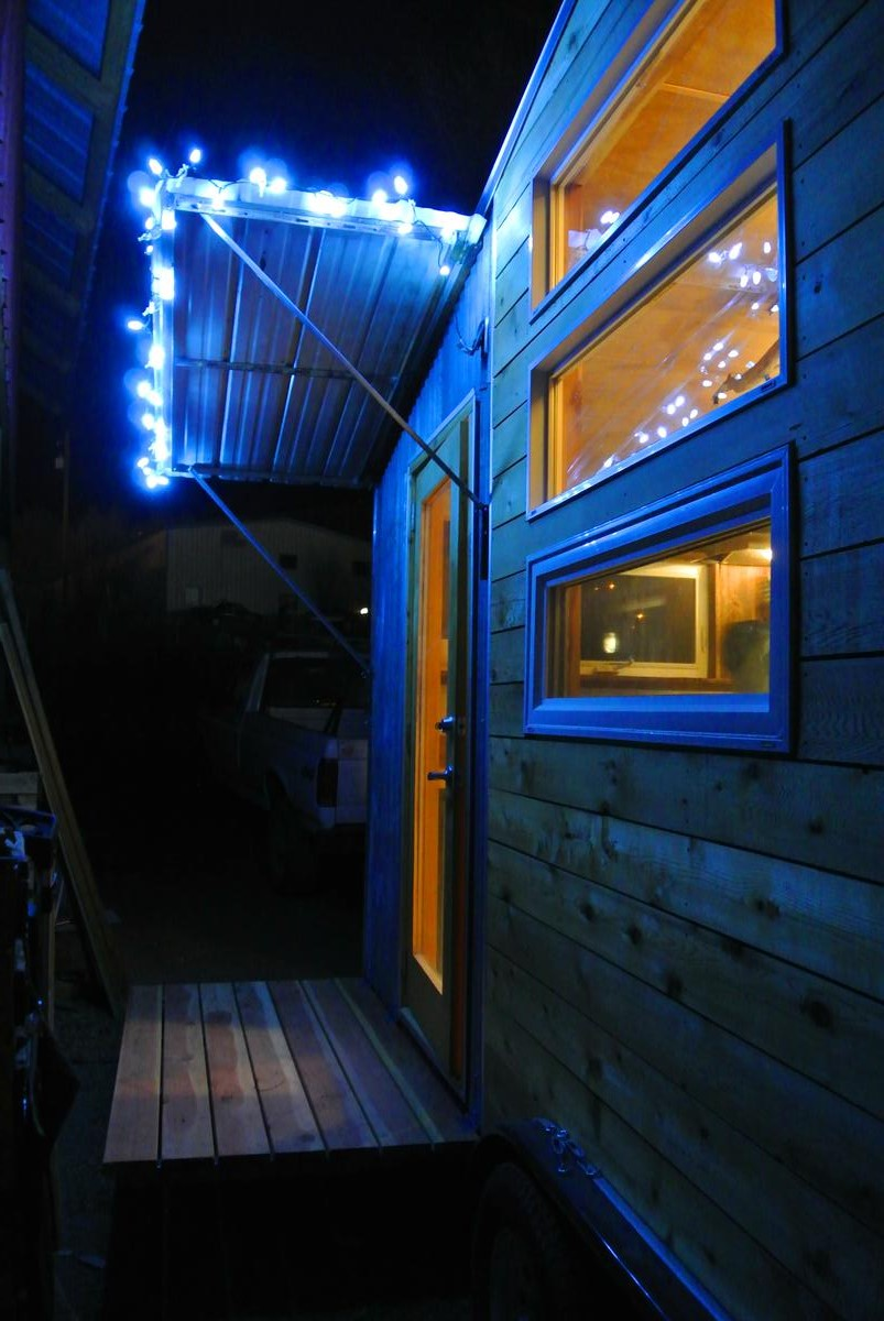 Boulder tiny house porch lights