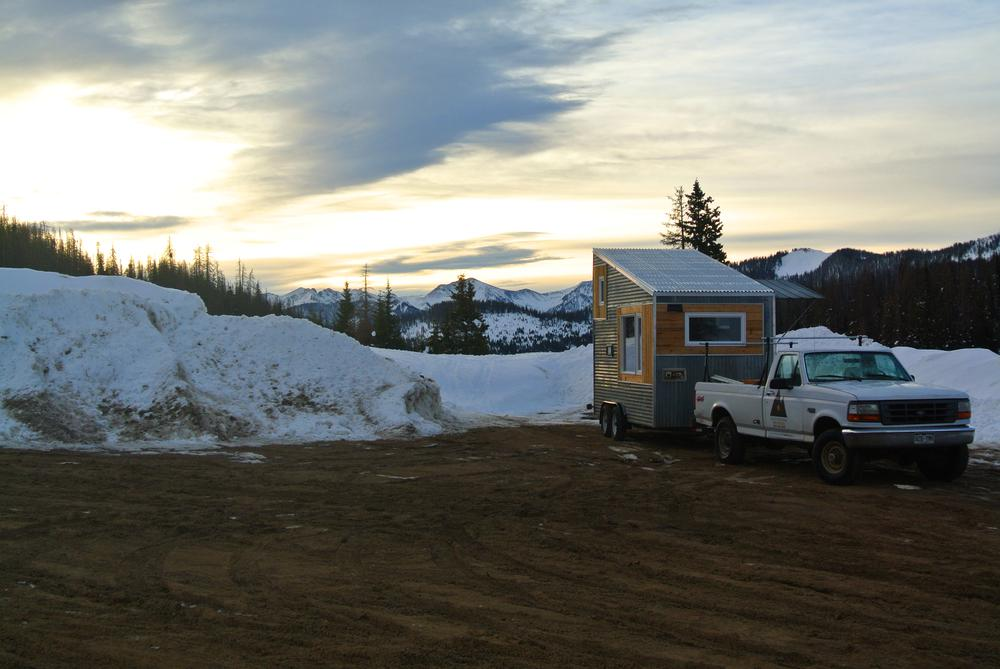 Rocky Mountain Boulder Tiny House at Wold Creek Pass