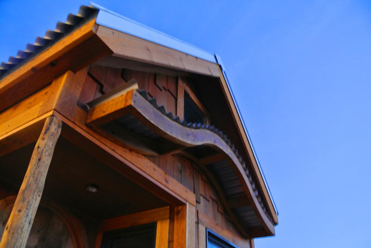 tiny house curvy porch