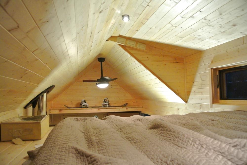 tiny house dormer loft
