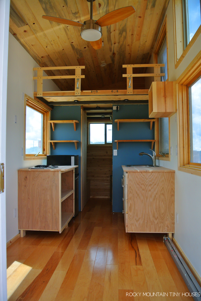 Front range rocky mountain tiny houses for Tiny house interieur