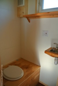 Rocky Mountain Tiny Houses 18' Boulder toilet