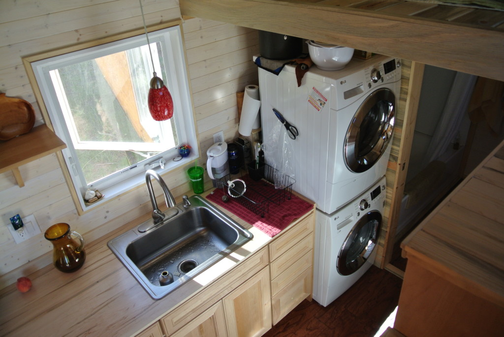Ponderosa 24' Tiny House kitchen sink